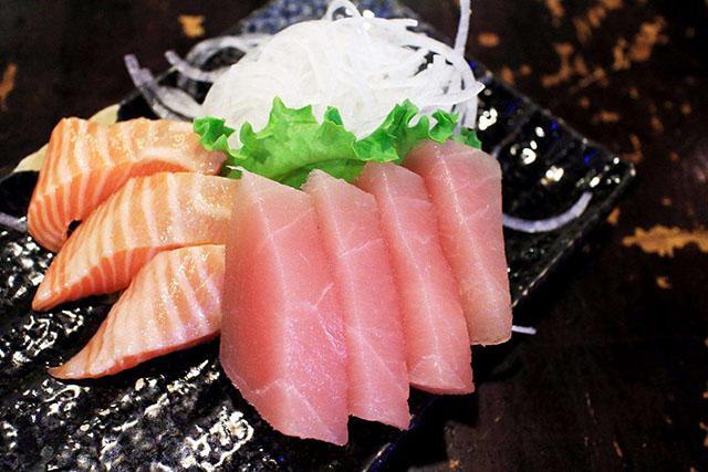 日本人为何爱吃生鱼片?