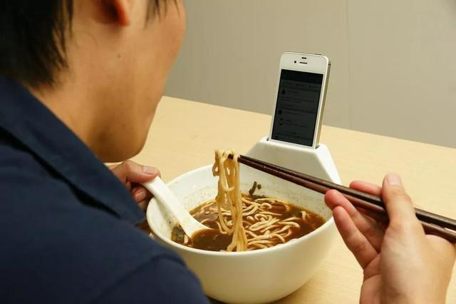 """日本越来越发达的""""单身经济"""",在东京,享受单身这一孤高行为"""