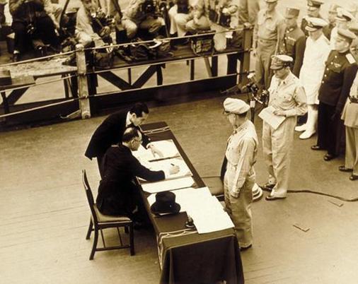 日本沿用至今的宪法,是美国编写的,撰写人竟还是个23岁的小姑娘