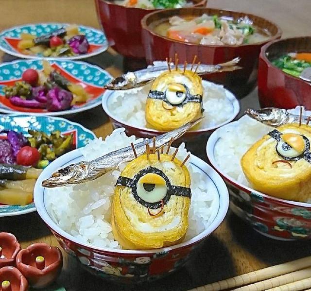 日本妈妈做了个大雄和哆啦A梦的盖饭,感觉气氛怪怪的
