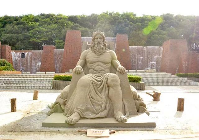 这才是真沙雕,日本艺术家用沙子堆出精彩雕塑