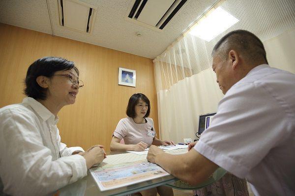 以医疗为目的的访日中国游客逐年增加,其背后的原因是?