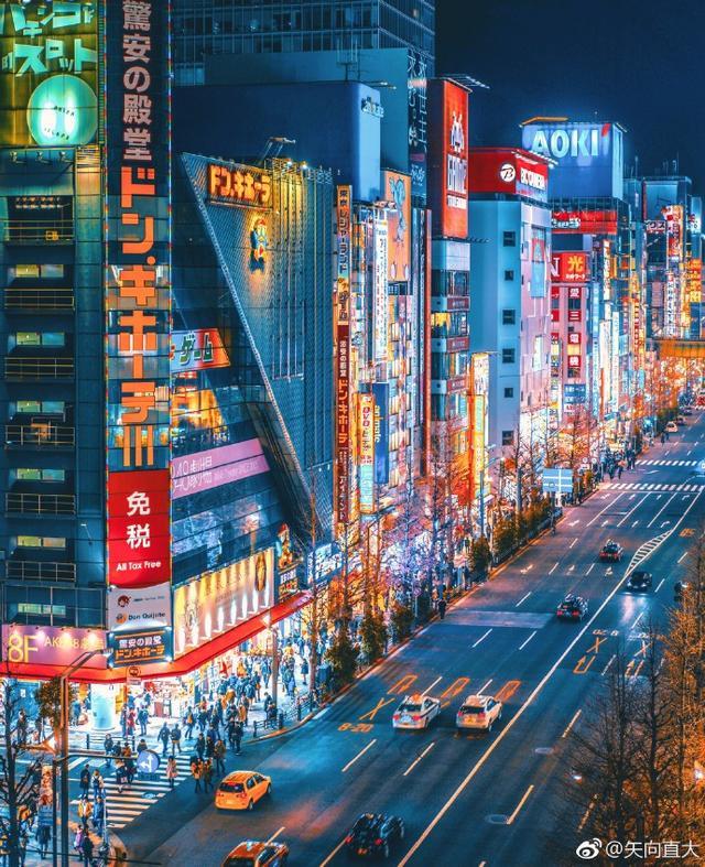 日本的秋叶原电器城,是家电和动漫的御宅文化乐园