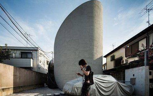 日本人为解决人多地少的问题,修建这样的房子