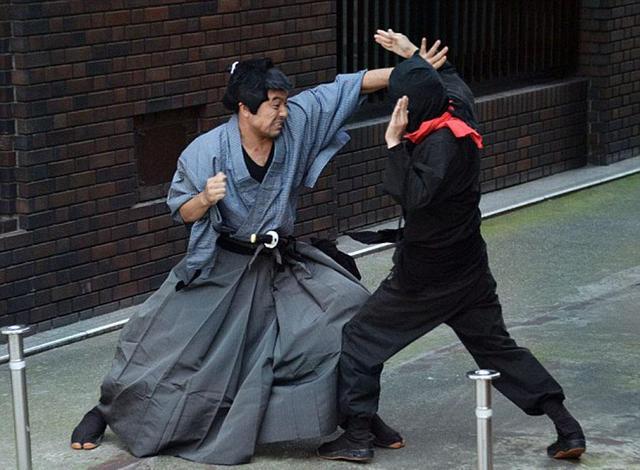 日本忍术神秘莫测,历史上真实的忍者没那么风光,忍者:我太难了