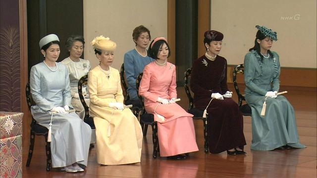 日本皇室礼服大揭秘!穿和服洋服意义大不同?颜色又有何深意?