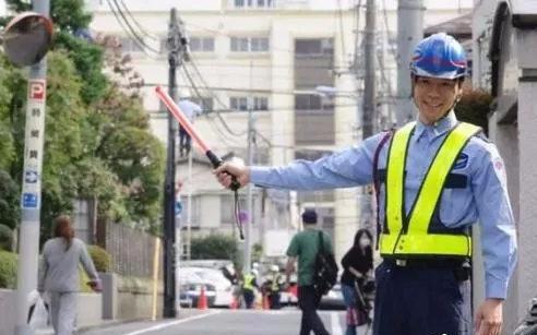 日本上班族都搞啥副业,哪些副业赚钱多?