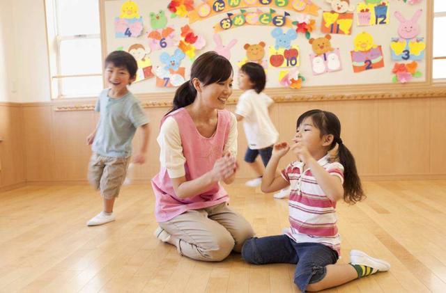 为什么日本孩子吃饭不用操心?