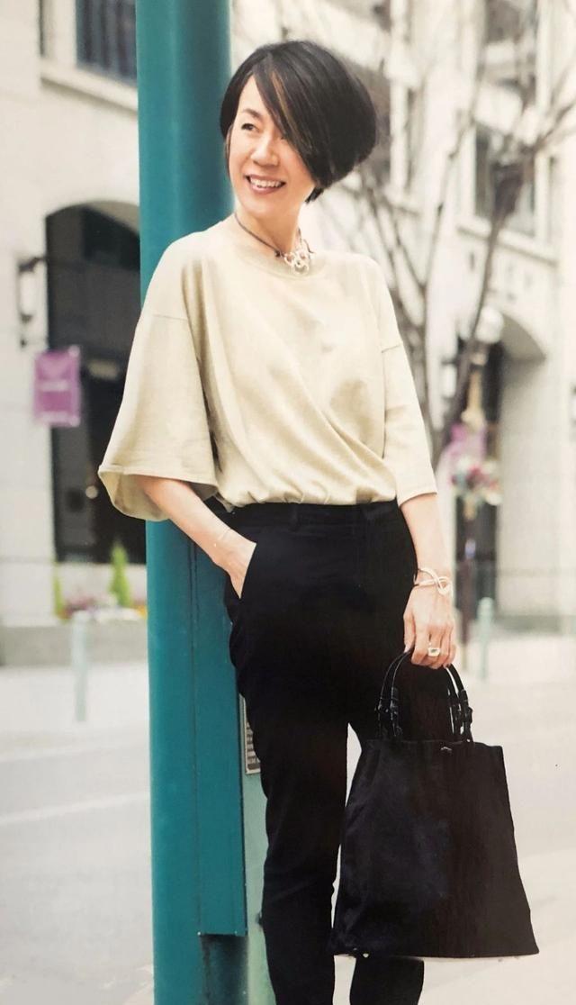 """日本主妇的日系风穿搭走红ins:50岁以后,穿出""""高级感"""""""