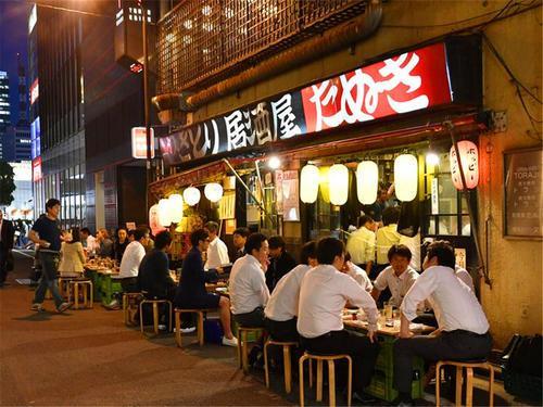 你知道日本人喝酒的讲究吗?从饮酒看中日文化的差异