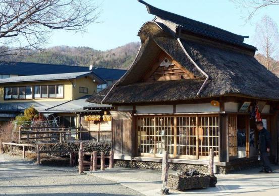 越来越多的日本家庭,选择到农村买房居住,只因幸福感更强烈?